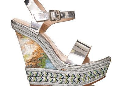 Plateau Sandalen mit Keilabsatz und farbigen Einsätzen